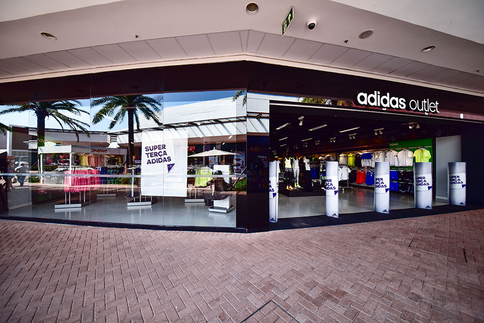 ADIDAS - Catarina Fashion Outlet 74dd35f25c13